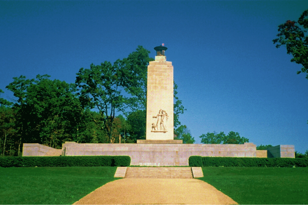 Can you tour Gettysburg by car?